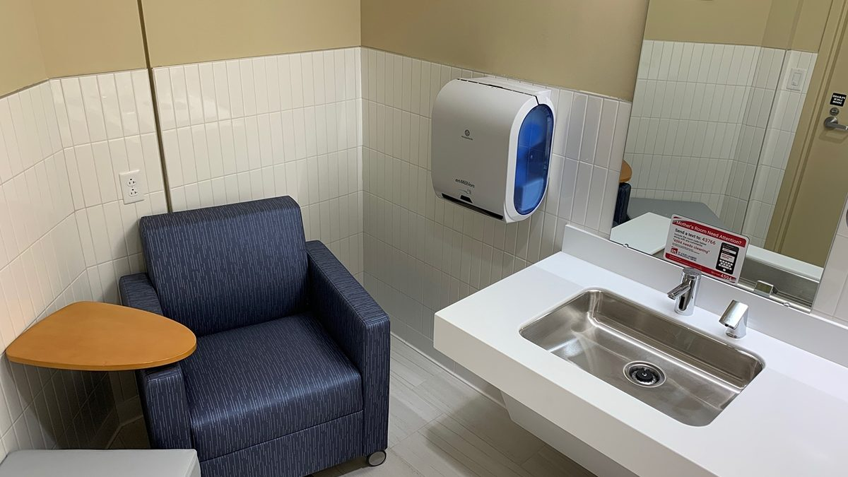 STL Lactation Suite -Club Chair and Arm Table